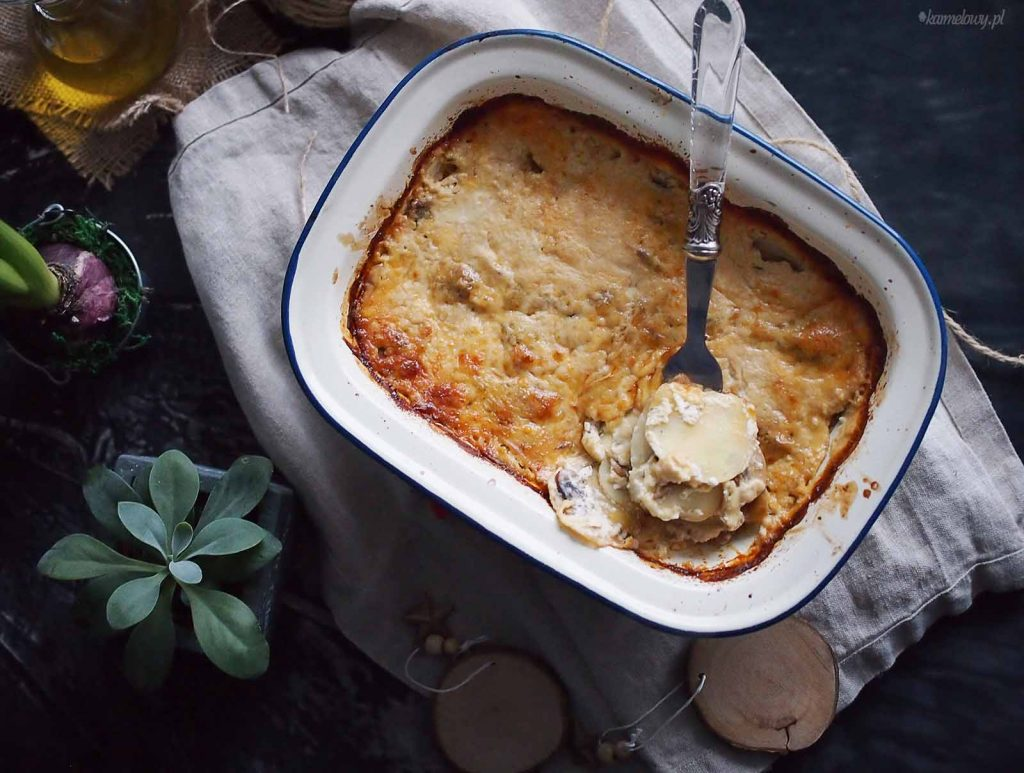 Ziemniaki-zapiekane-z-grzybami-i-serem-Potato-cheese-and-mushroom-gratin