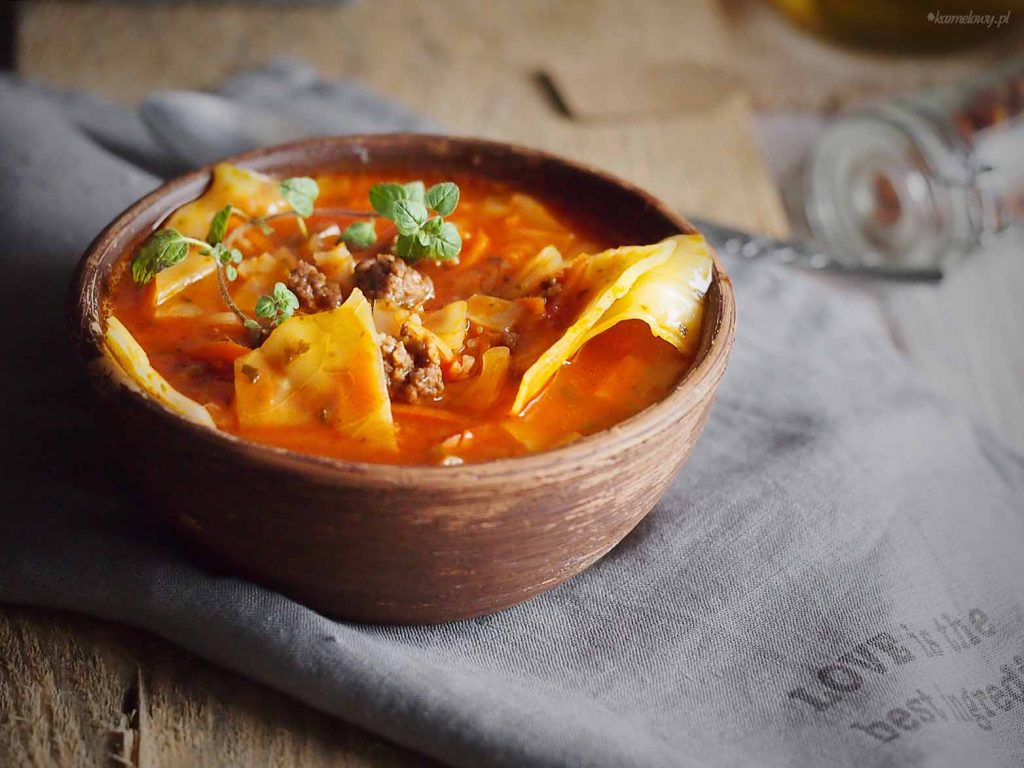 Zupa-golabkowa-Cabbage-roll-soup