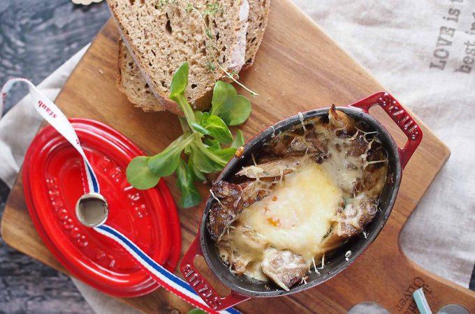 Jajka-zapiekane-z-grzybami-Baked-eggs-with-mushrooms