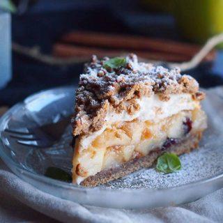 Orzechowa-szarlotka-z-pianka-i-zurawina-Walnut-apple-pie-with-meringue-and-carnberries