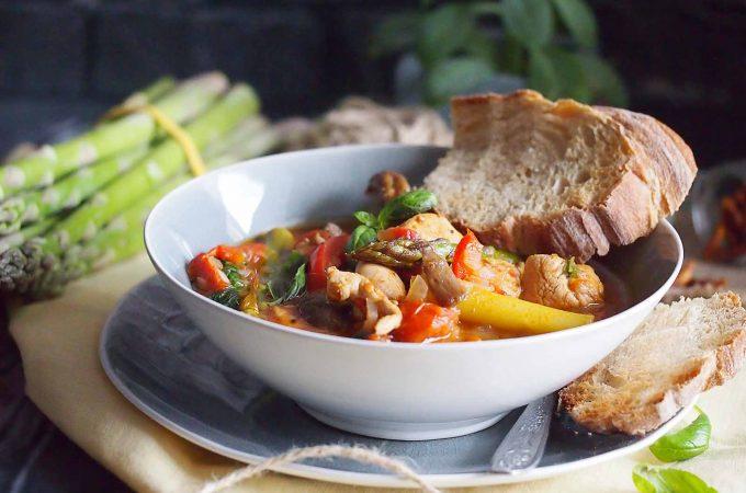 Szybka potrawka wiosenna z kurczakiem i szparagami / Easy spring asparagus and chicken stew