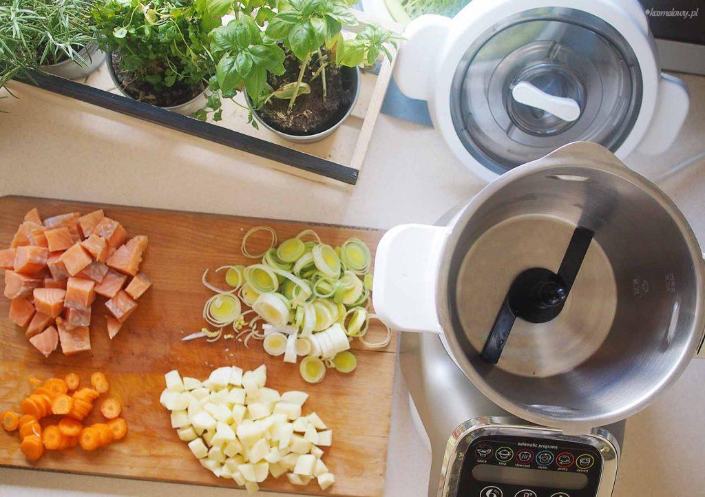 Szybka-zupa-z-lososiem-i-szpinakiem-Easy-salmon-and-spinach-soup