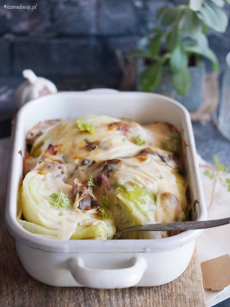 Mloda-kapusta-zapiekana-w-beszamelu-Young-cabbage-baked-with-bechamel-sauce