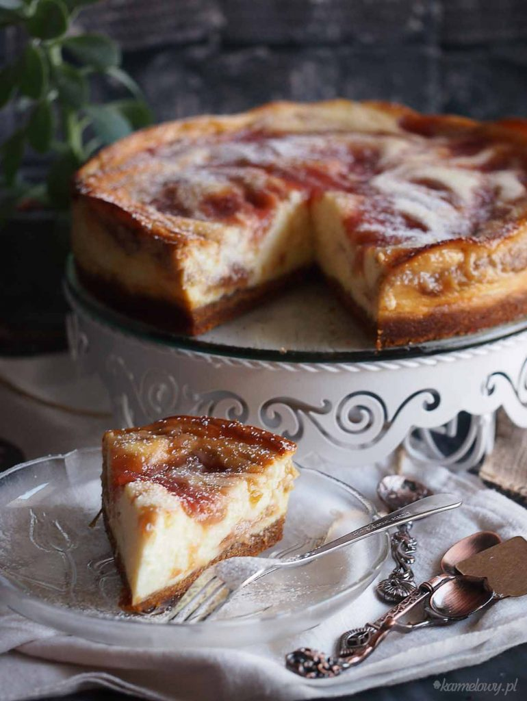 Sernik-z-musem-rabarbarowym-Rhubarb-mousse-cheesecake
