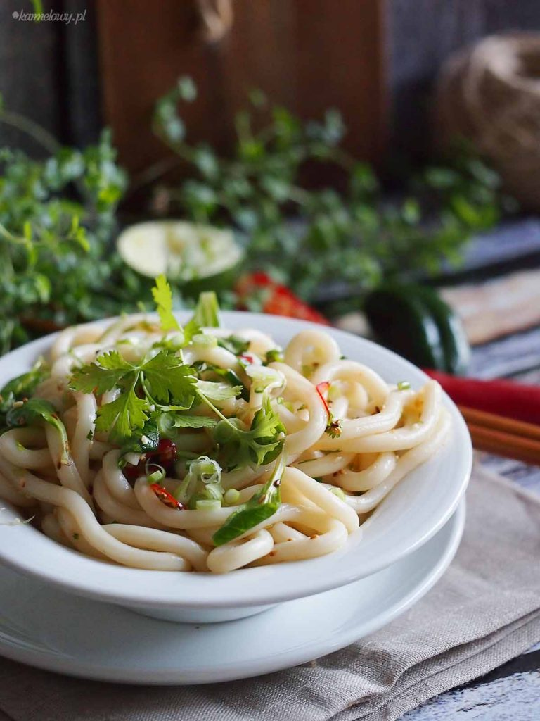 Makaron-udon-z-chilli- szpinakiem-Udon-noodle-salad-with-chilli -nd-spinach
