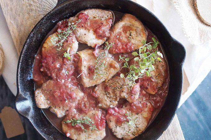 Poledwiczka-wieprzowa-w-sosie-rabarbarowym-Pork-loin-with-rhubarb-sauce