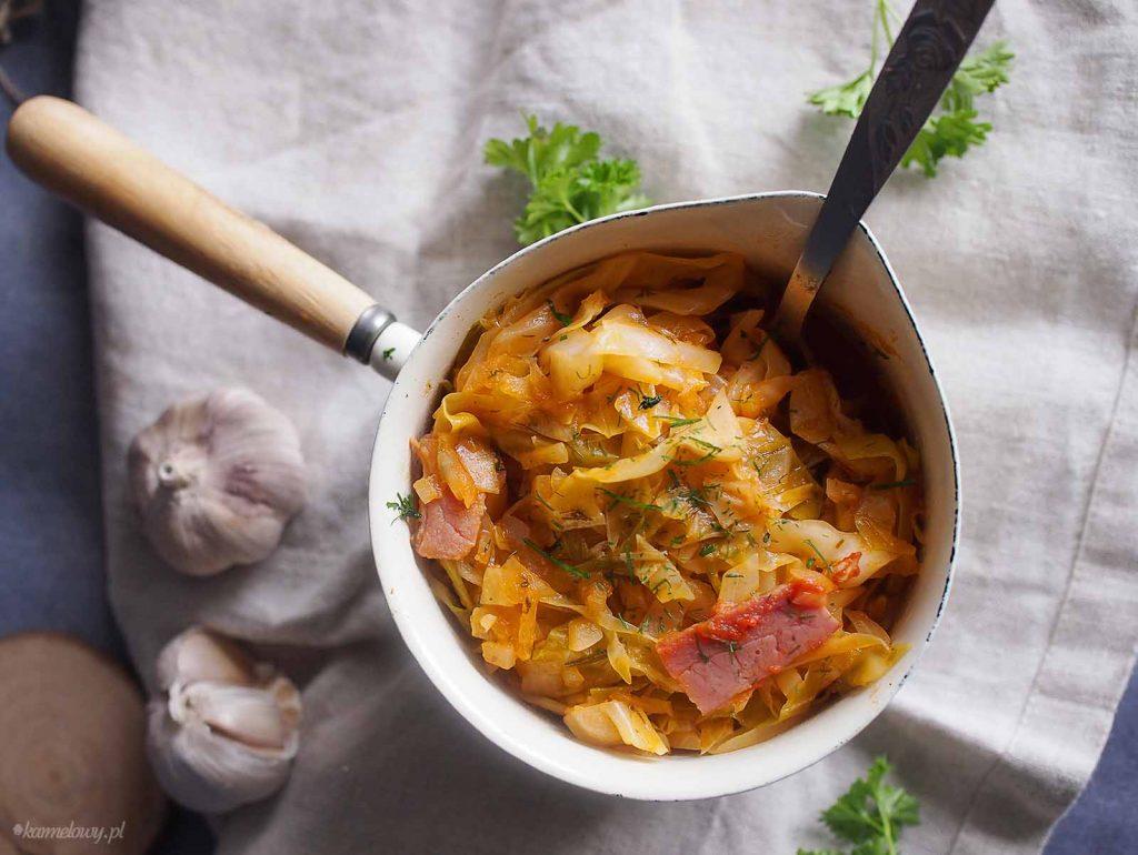 Mloda-kapusta-z-boczkiem-Young-cabbage-with-bacon