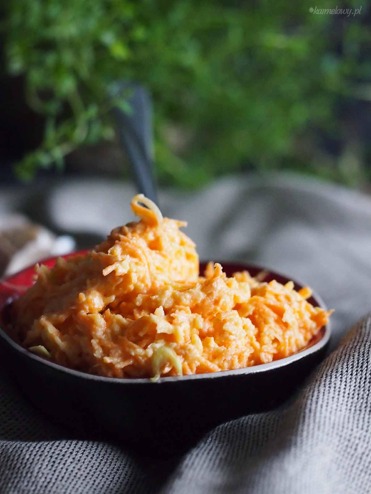 Surowka-z-marchewki-i-pora-Carrot-and-leek-slaw