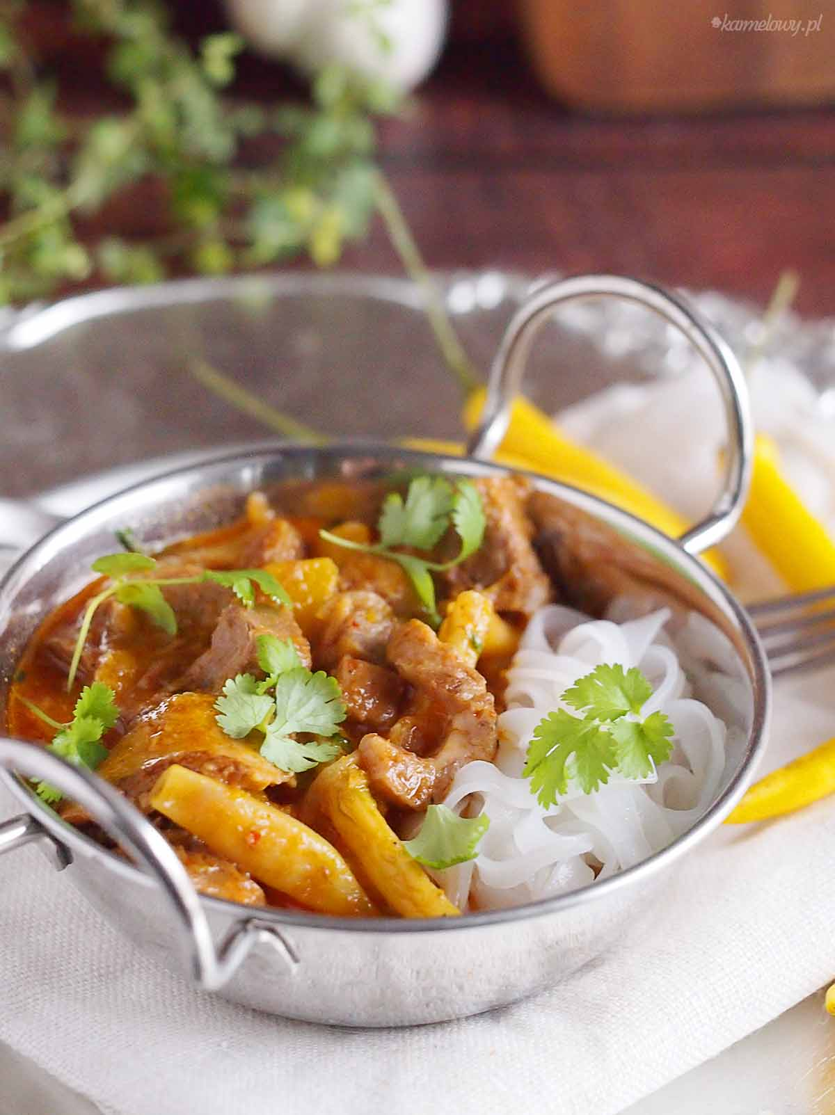 Tajskie-czerwone-curry-z-dynia-i-gesia-Thai-red-curry-with-goose-and-pumpkin