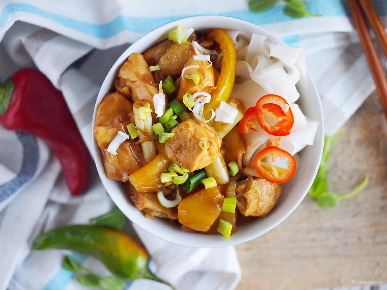 Kurczak-orientalny-smazony-z-ananasem-i-papryka-Stir-fried-chicken-with-pineapple-and-pepper