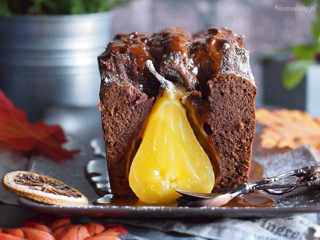 Ciasto-korzenne-z-gruszkami-i-sosem-karmelowym-Gingrebread-cake-with-pears-and-caramel-sauce