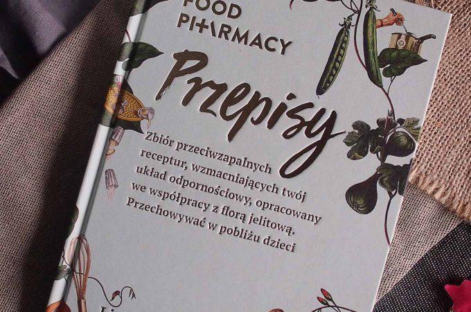 Książka Food Pharmacy Przepisy i zupa dyniowa z kolendrą / Pumpkin soup with coriander