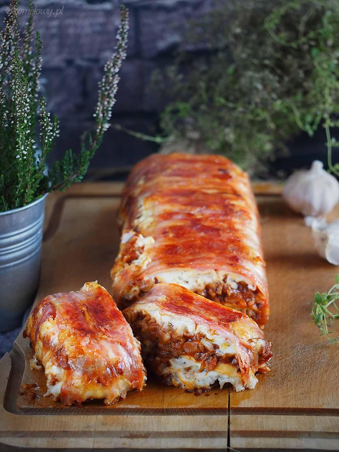Lasagne-miesno-grzybowe-w-boczku-Bacon-wrapped-meat-and-mushroom-lasagna