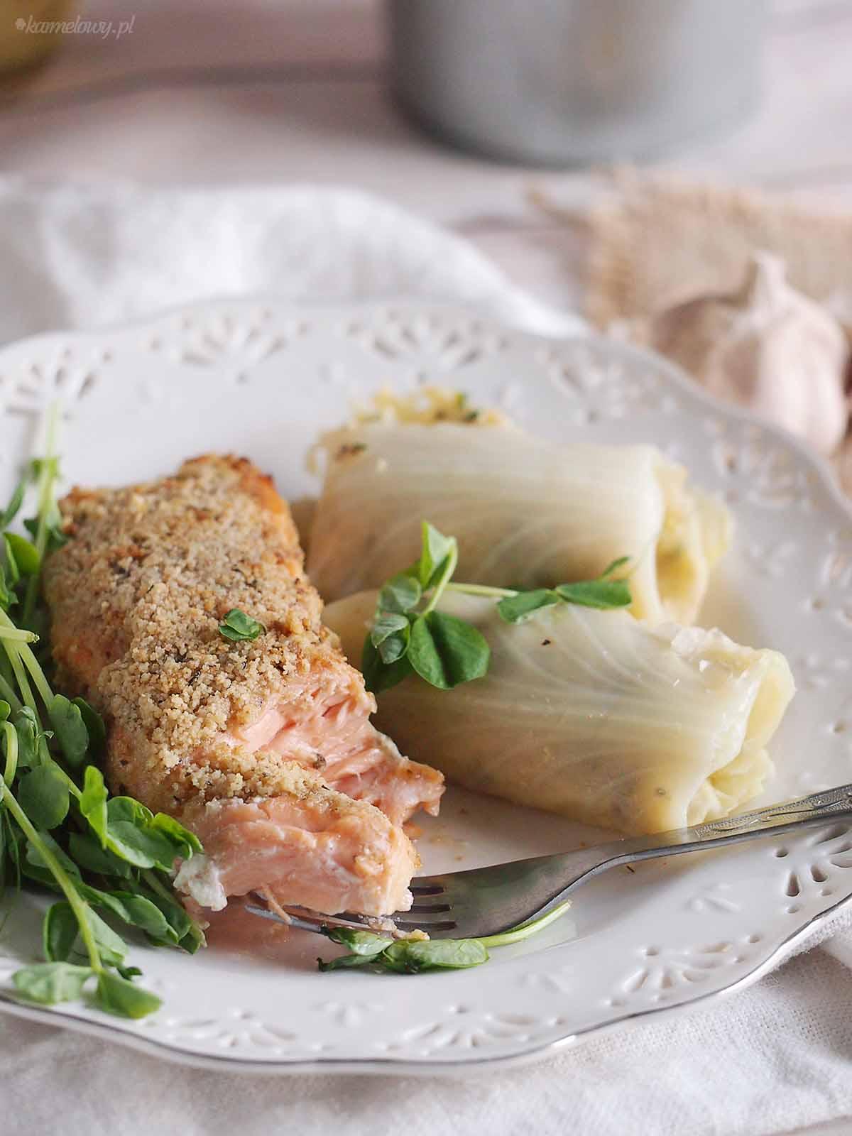 Miodowo-musztardowy-losos-z-kruszonka-orzechowa-Honey-mustard-salmon-with-walnut-crust
