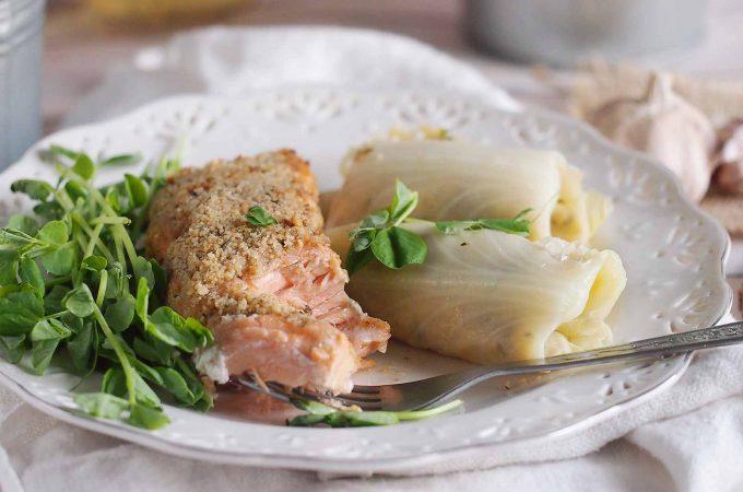 Miodowo-musztardowy łosoś z kruszonką orzechową / Honey mustard salmon with walnut crust