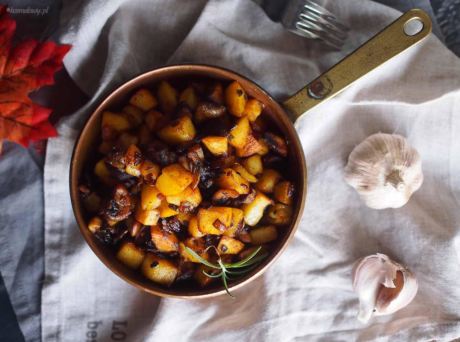 Ziemniaki-smazone-z-grzybami-Potato-mushroom-hash