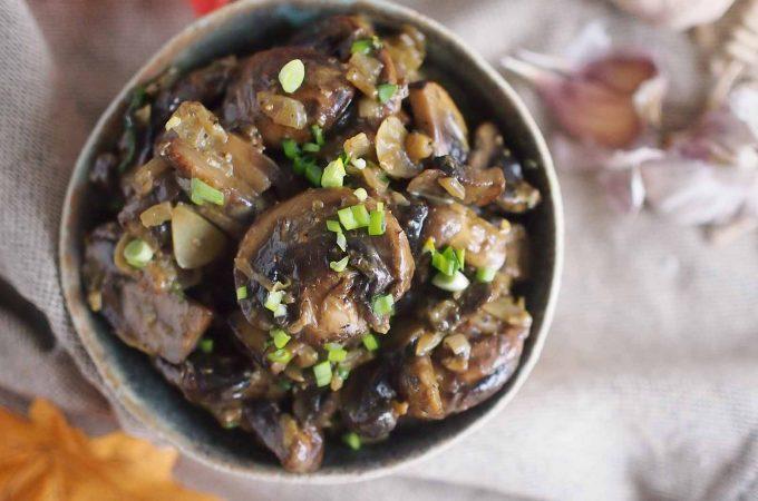 Salatka-pieczarkowa-na-cieplo-Warm-mushroom-salad