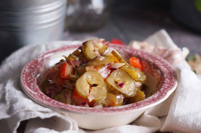 Sałatka z ogórków kiszonych / Sour pickle salad