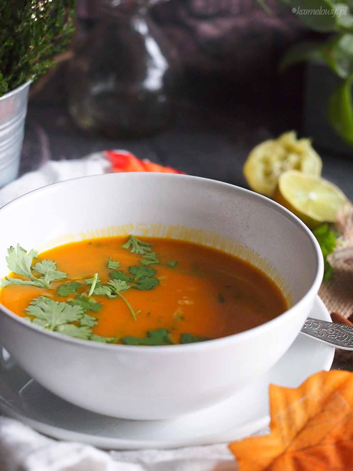 Zupa dyniowa z kolendra