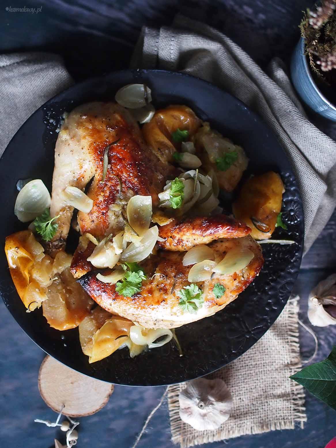 Kurczak-pieczony-z-jablkami-Roasted-chicken-with-apples