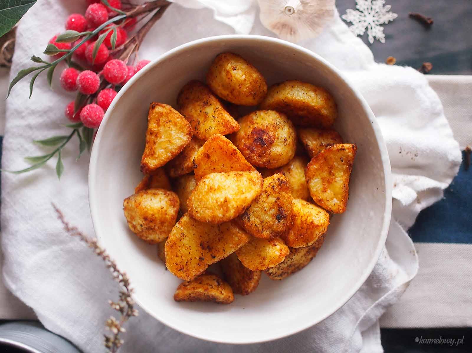 Pieczone-ziemniaki-z-wedzona-papryka-Paprika-roasted-potatoes