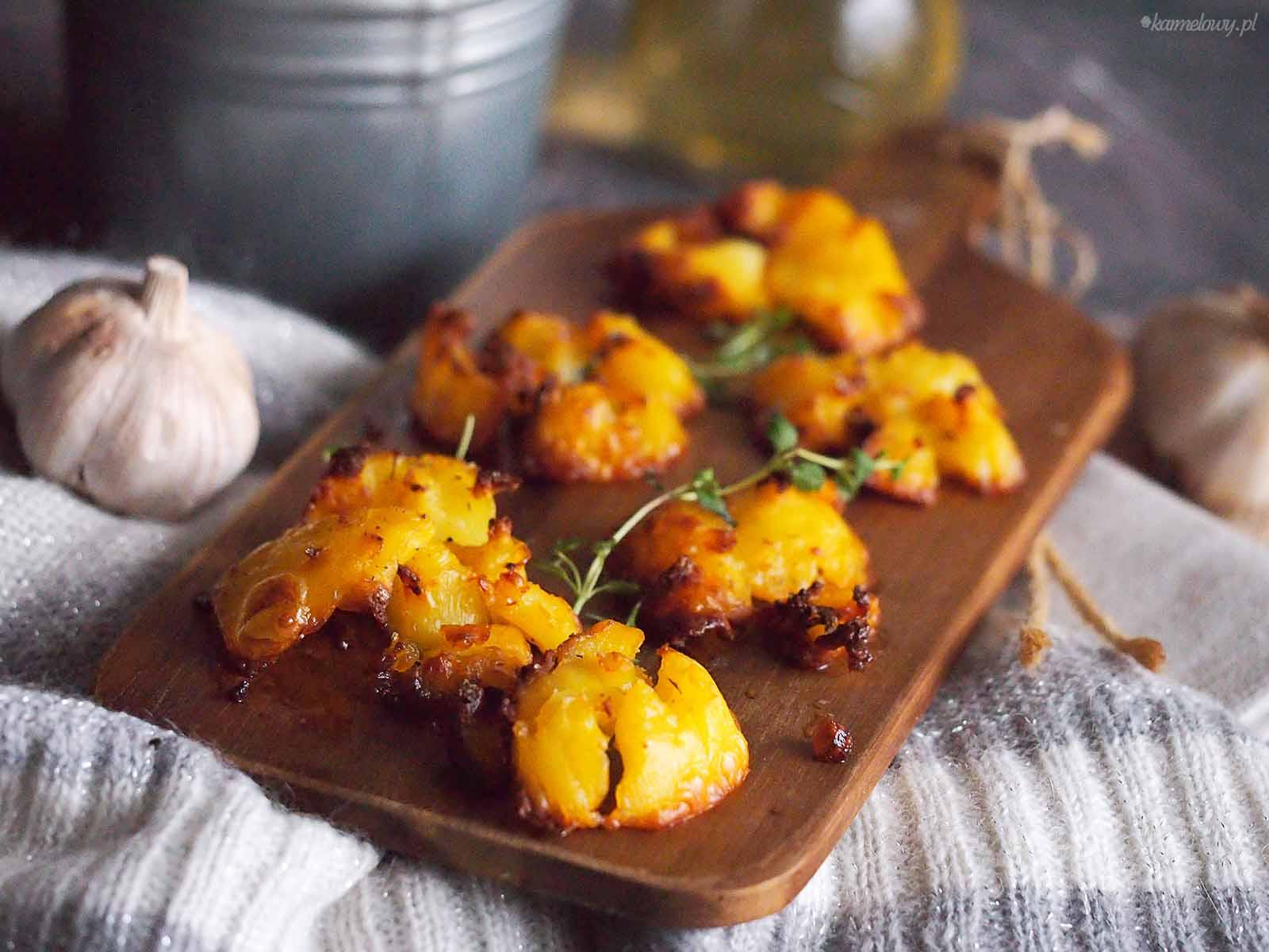 Rozgniecione-ziemniaki-z-pieca-Roasted-smashed-potatoes