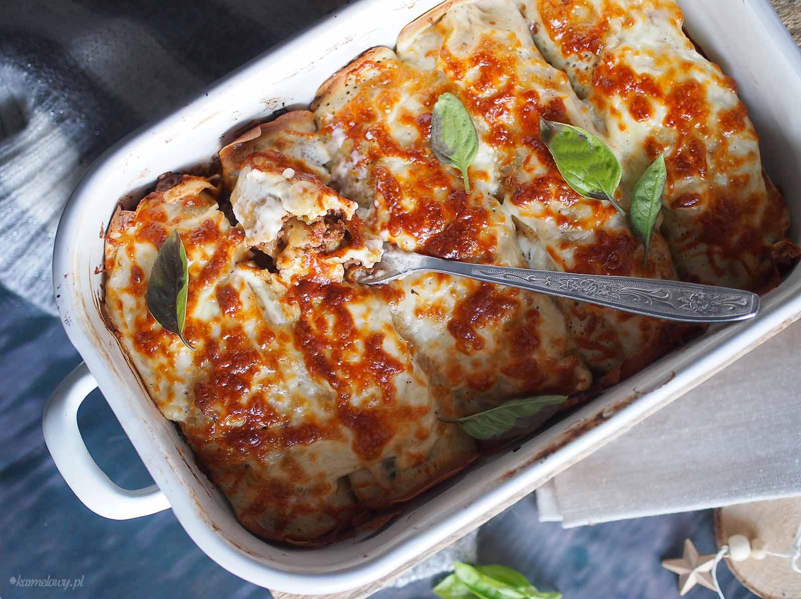 Nalesniki-po-bolonsku-pod-beszamelem-Crepes-bolognese-with-bechamel-sauce