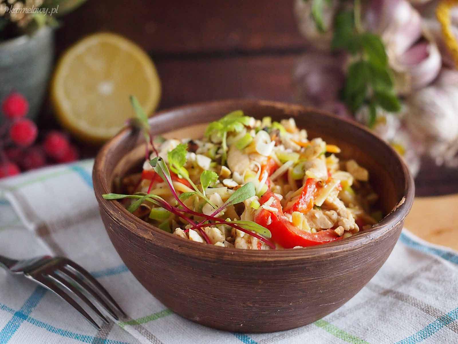 Tajski-makaron-z-kurczakiem-Thai-noodles-with-chicken