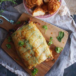 Rolada-ziemniaczana-z-miesem-serem-i-szpinakiem-Cheesy-potato-roll-with-meat-and-spinach