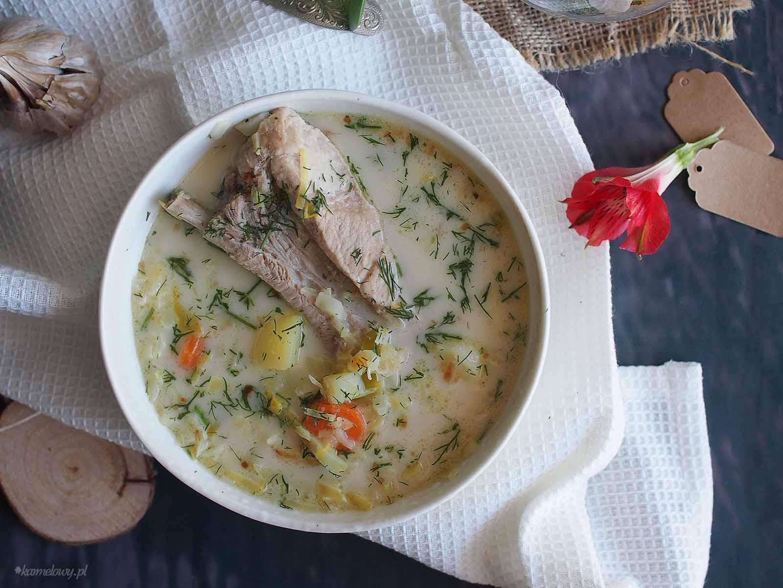 Zupa-z-mloda-kapusta-na-zeberkach-Meaty-young-cabbage-soup
