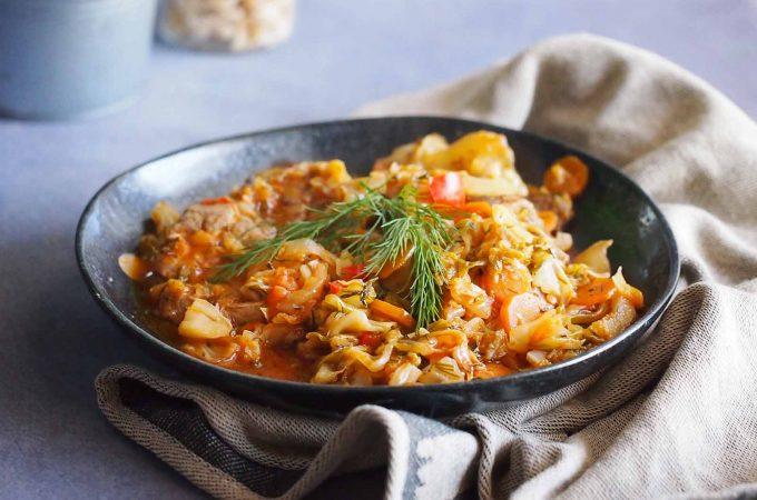 Karkówka duszona w młodej kapuście / Braised pork neck with young cabbage