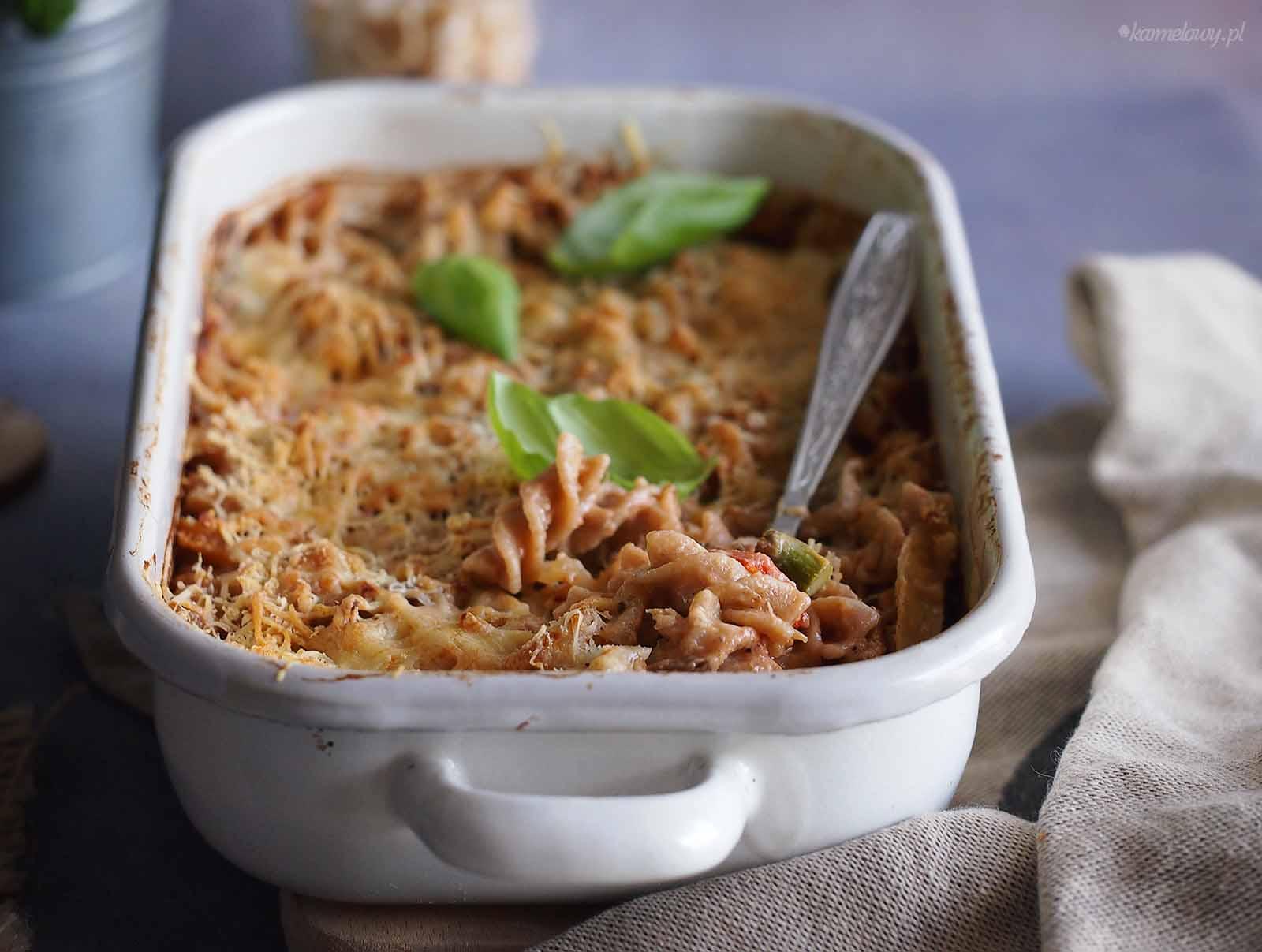 Zapiekanka-makaronowa-z-miesem-i-szparagami-Meat-and-asparagus-pasta-bake