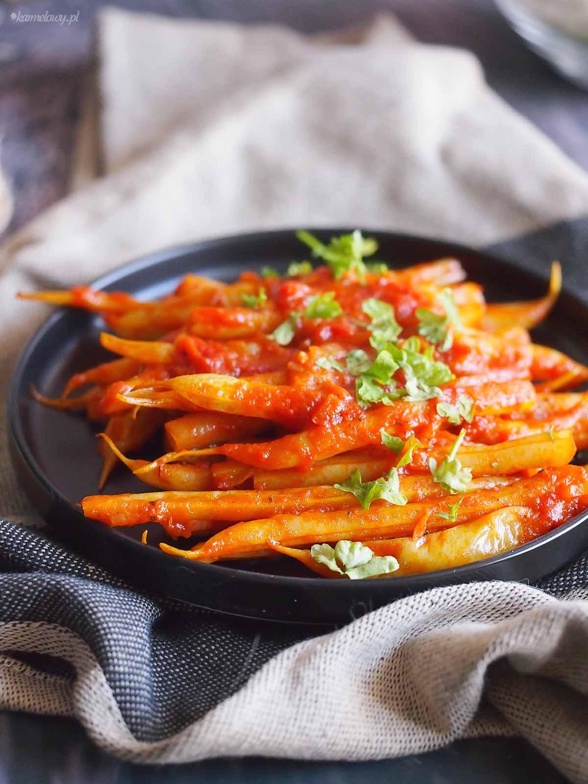 Fasolka-szparagowa-w-pomidorach-Yellow-beans-with-tomato-sauce