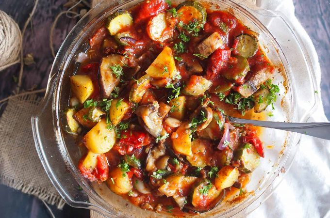 Pieczone-letnie-warzywa-w-pomidorach-Roasted-summer-vegetables-with-tomato-sauce