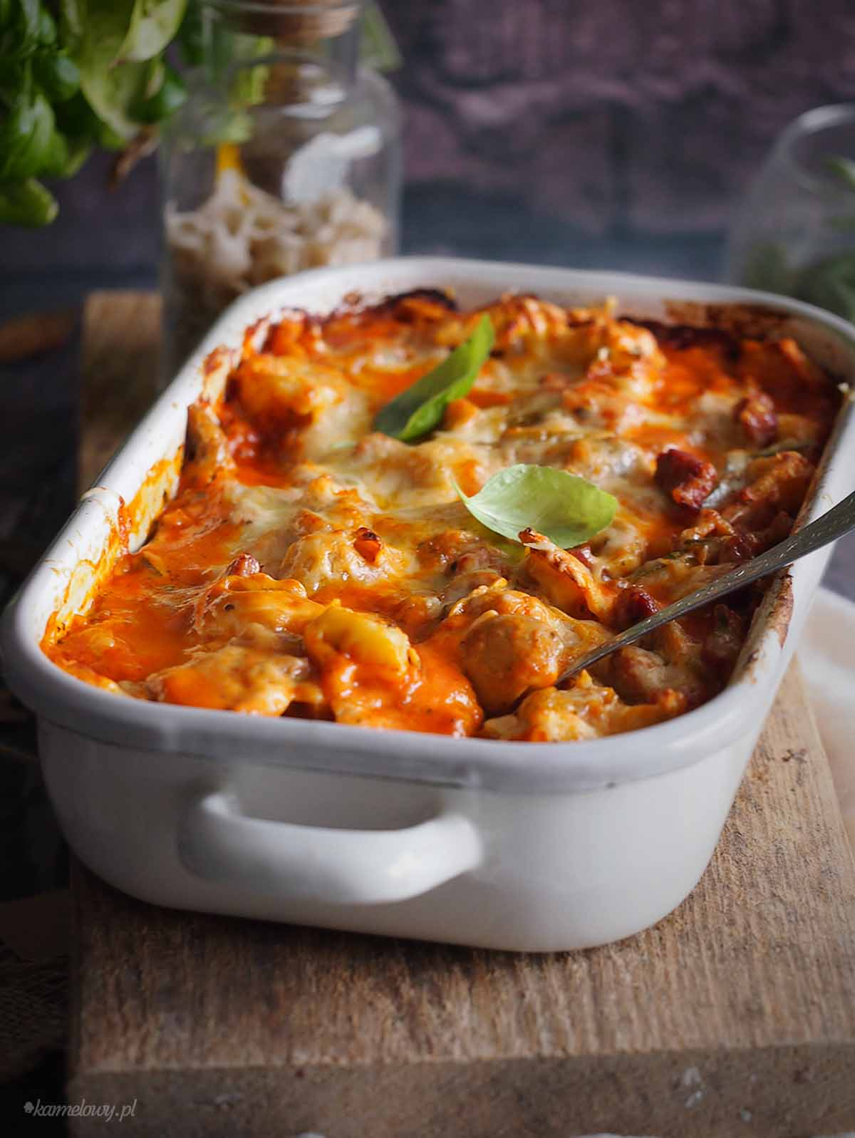 Tortellini-zapiekane-w-sosie-bolonskim-Bolognese-tortellini-bake