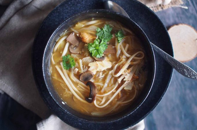 Kapusniak-w-stylu-orientalnym-Asian-style-cabbage-soup
