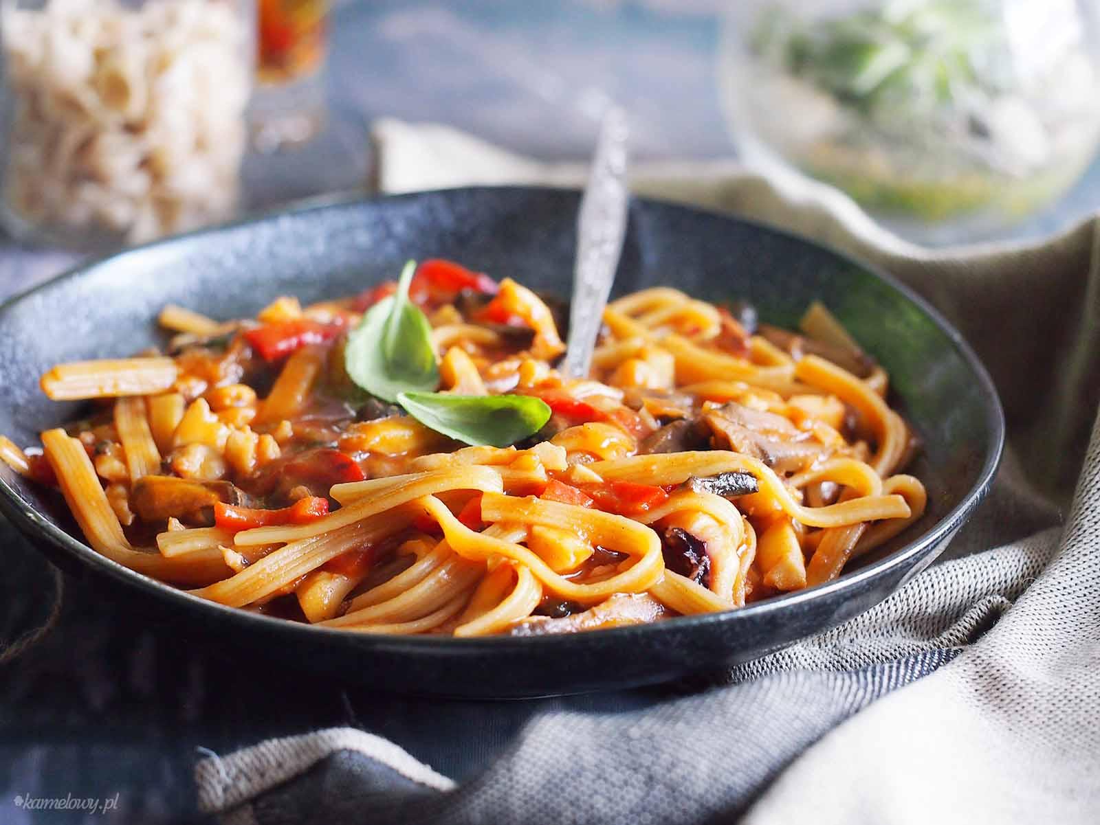 Szybki-makaron-z-owocami-morza-Easy-seafood-pasta