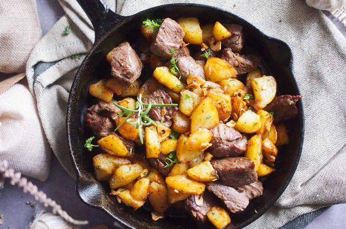 Ziołowe ziemniaki ze stekiem / Herbed potatoes with steak