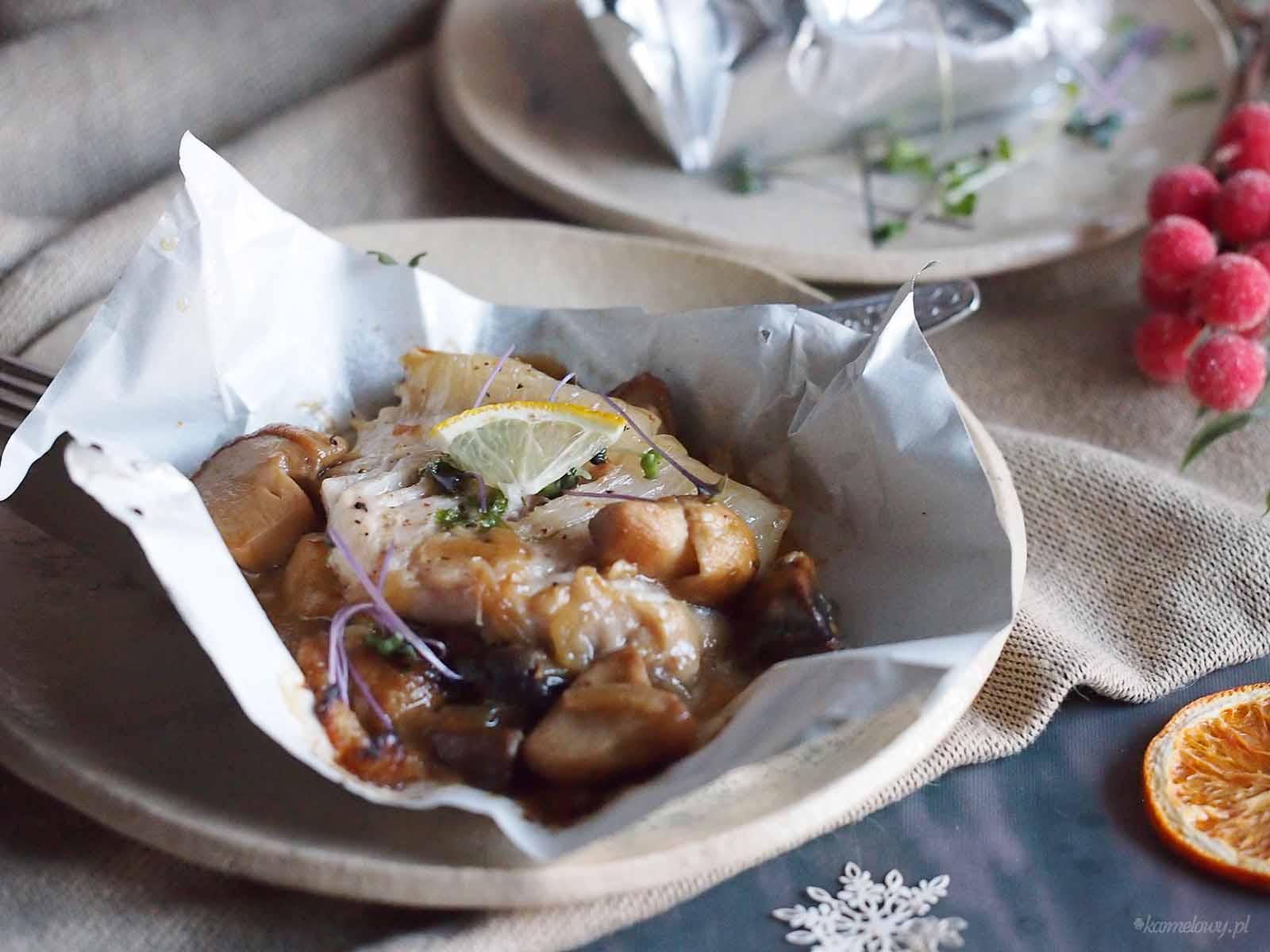 Pakieciki-z-karpiem-i-grzybami-Carp-and-mushrooms-en-papillote