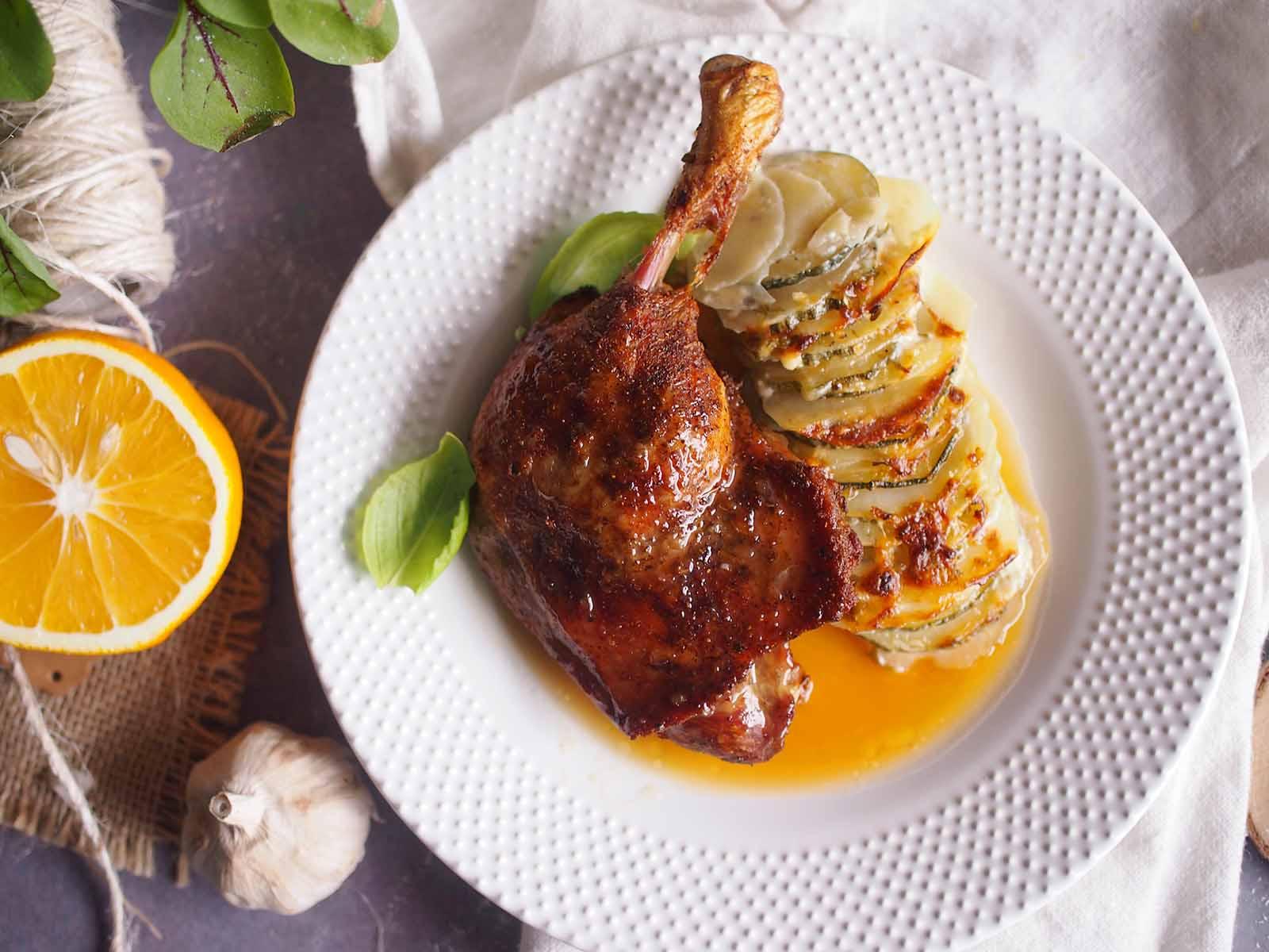 Pieczone-kacze-udka-w-sosie-slodko-kwasnym-Roasted-duck-legs-with-sweet-sour-sauce