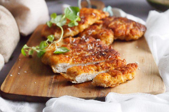 Pierś kurczaka w panierce parmezanowej / Parmesan crusted chicken breast