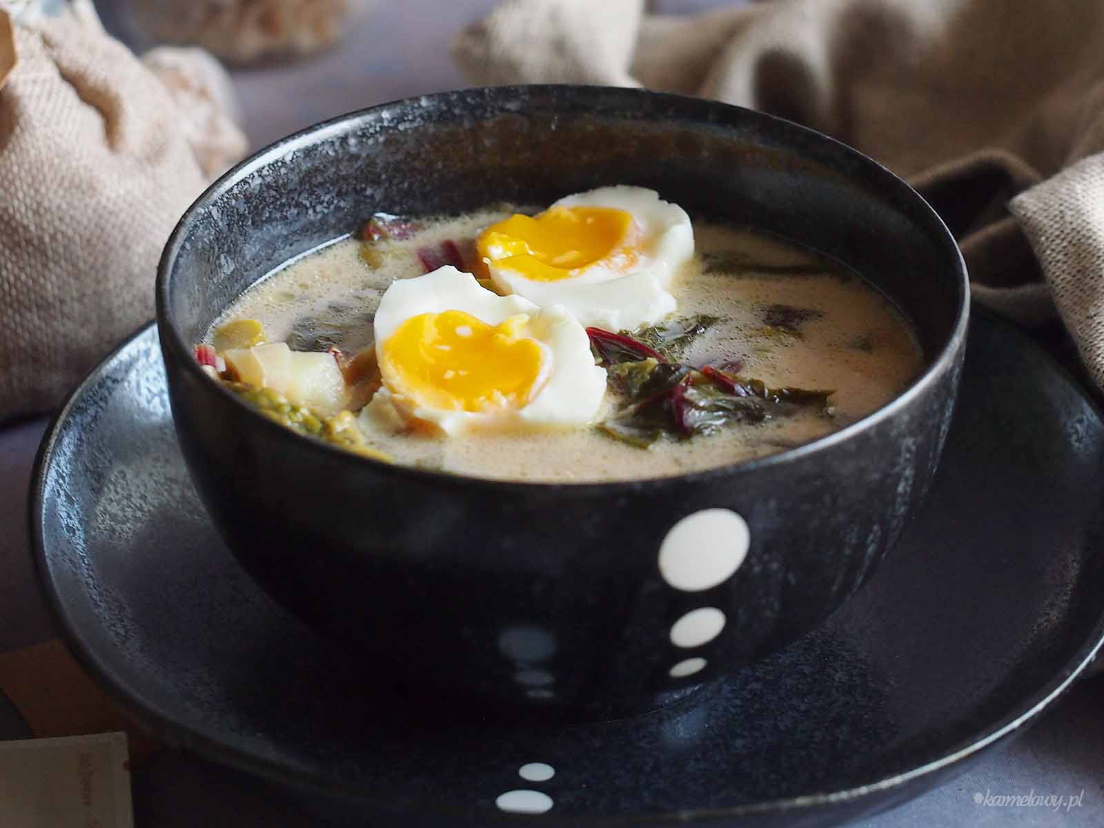 Zupa-szczawiowa-ze-szparagami-Sorrel-asparagus-soup