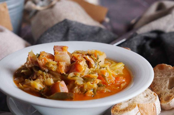 Bigos z młodej kapusty / Young cabbage stew